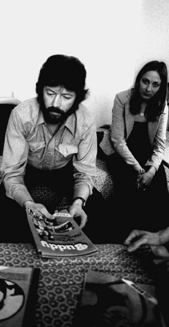 Eric Clapton checks out copies of Buddy at the Anatole Hotel, 1978: Kirby Warnock