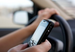 texting-while-driving_iStock-300x210