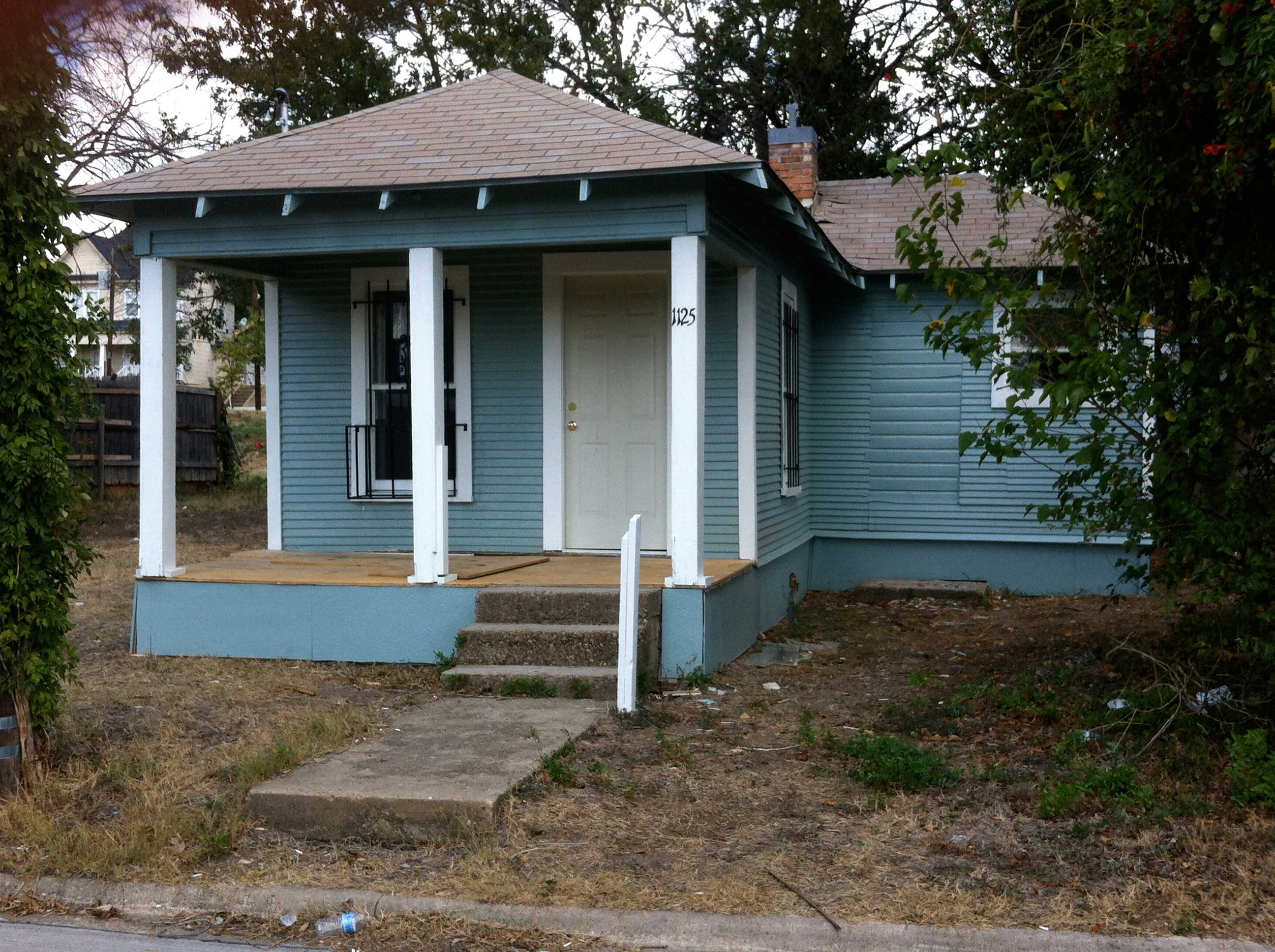 A preserved shotgun house in the Tenth Street Historic District. Photo courtesy of bc Workshop