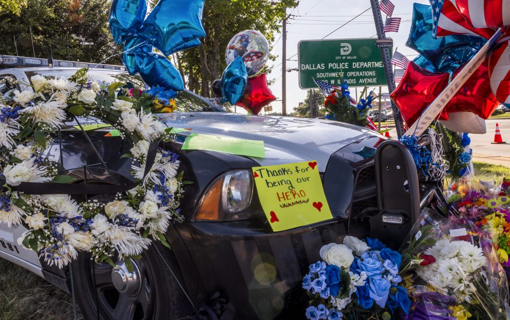 DALLAS, TX 07/12/2016 Supports and mourners set up memorials at the Dallas Police substation at 4230 W. Illinois Ave. in the Oak Cliff neighborhood of Dallas, TX following an ambush on July 7, 2016 which left five public servants dead. Credit: Danny Fulgencio