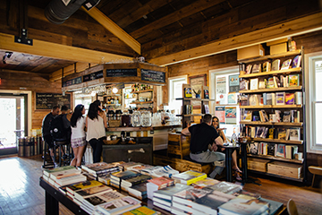 A weekday afternoon inside the Wild Detectives. (Photo by Kathy Tran)