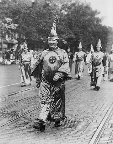 Hiram Wesley Evans, a dentist with a practice in Downtown Dallas leads a KKK march in Washington, D.C., September 1926. Evans was a national leader in the KKK. (Photos courtesy of the Library of Congress and the DeGolyer Library, Southern Methodist University)