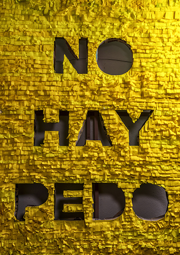 """Valderas uses relatable Spanish slang and humor in his pieces. """"No hay pedo,"""" means """"No problem"""" but also can be translated """"There's no fart."""" (Photo by Danny Fulgencio)"""