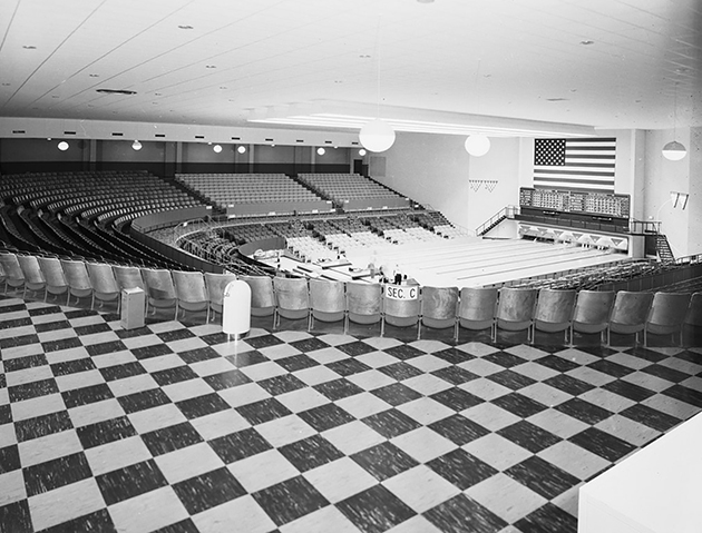 The Bronco Bowl's six-lane arena, which was built on hopes for the televised National Bowling League. (Photo Courtesy Of The Texas/Dallas History And Archives Division, Dallas Public Library And The Dallas Morning News Historical Archives)